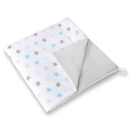 Tapis matelassé blanc et gris avec étoiles bleues pour tipi