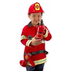 Petit garçon dans son déguisement pompier