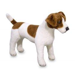 Petite fille avec sa peluche Jack Russell Terrier