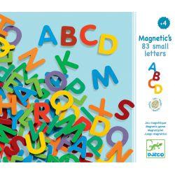 83 Lettres majuscules magnétiques en bois Djeco
