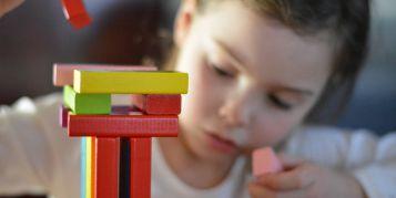 7 bénéfices des jeux de construction pour les enfants
